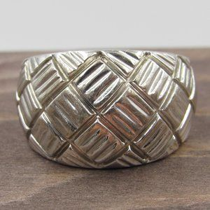 Jewelry - Size 7.25 Sterling Silver Textured Unique Ring